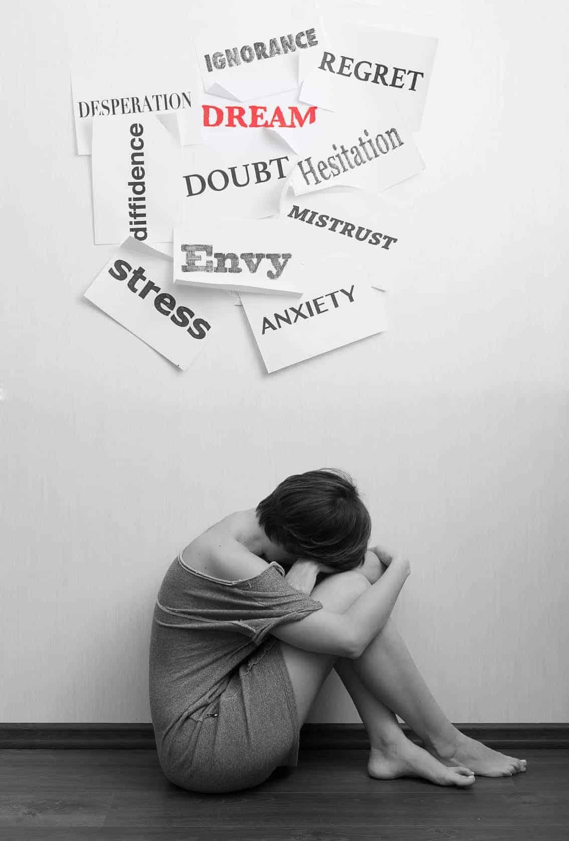 Nicht jeder benötigt eine Therapie, aber an dieser Stelle sollen alle Extreme, von leichter Ängstlichkeit, reiner Nervosität bis hin zu Fluchtverhalten und krankhafter Angst dargestellt werden.