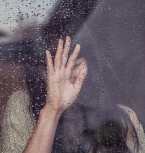 so kannst du Trennungsschmerz überwinden