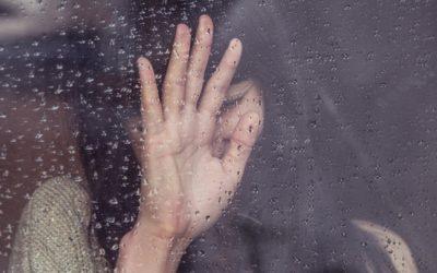 Wie du Trennungsschmerz überwinden und wieder lächeln lernen kannst