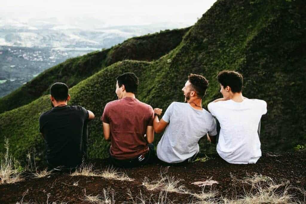 Freundschaften helfen, positiv zu bleiben